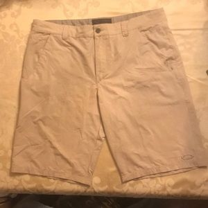 Oakley Tan Mens 38W Walking Shorts